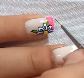 diseños de uñas flores