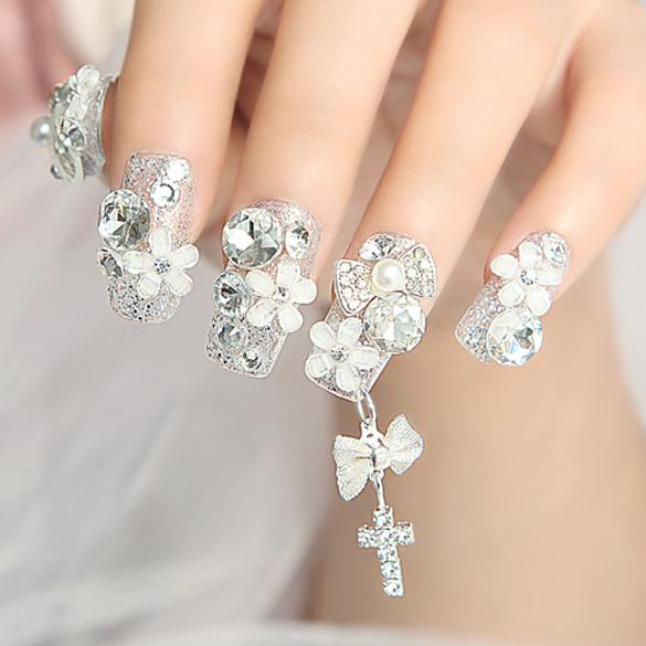 Dise os de u as acr licas con piedras de cristal dise os for Unas decoradas con piedras de cristal