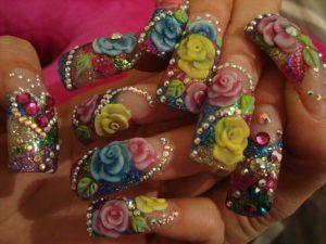 Las uñas acrílicas estilo Sinaloa