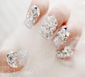 acrílicas con piedras cristales