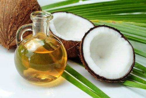 Como hidratar tus uñas en casa aceite de coco