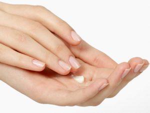 Como quitar las uñas de resina en casa hidrata tus uñas
