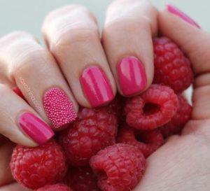 Decoración de uñas al estilo caviar rosadas