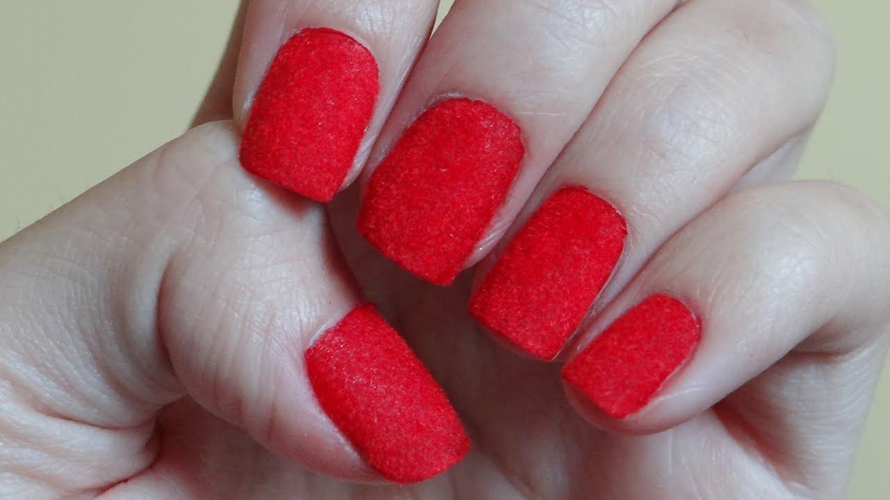 uñas terciopelo rojas