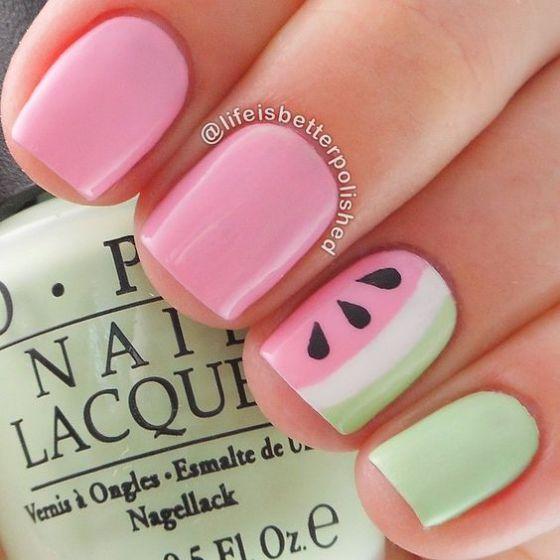 uñas-rosa-combinadas-en-verde