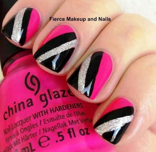 uñas-rosa-combinadas-negro-y-blanco
