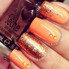nail-art-en-color-naranja-y-plata