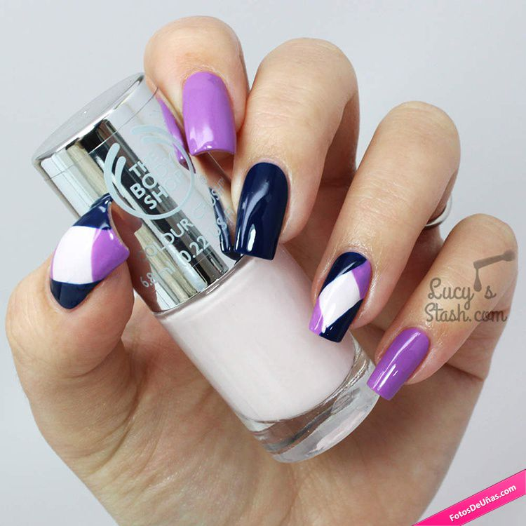 Diseño de uñas en formas geométricas en tonos pastel colores fuertes