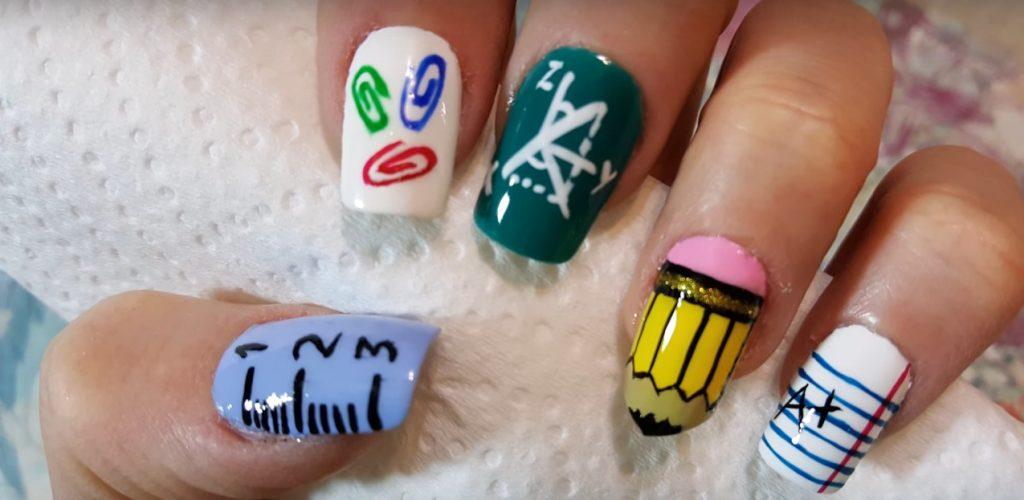 decoracion de uñas para ir a clases