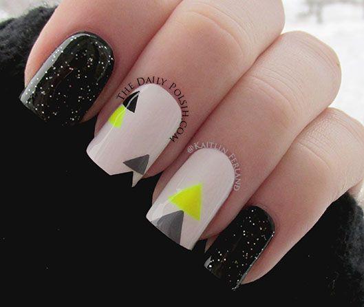 uñas en triangulo negro y blanco
