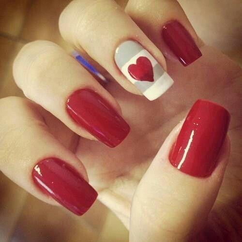 Uñas Decoradas En Rojo Color Del Amor Y La Pasion Corazon