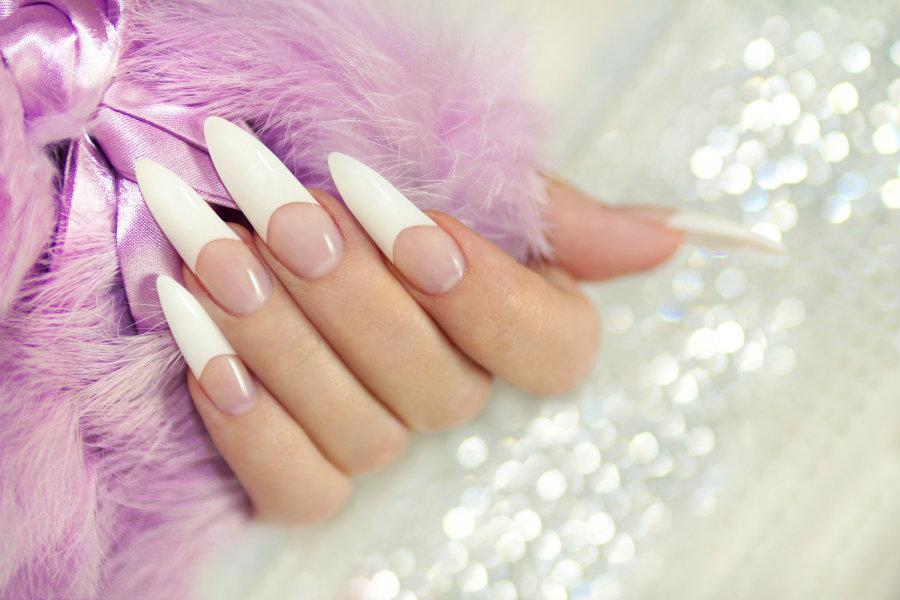 Cuidar tus uñas acrilicas