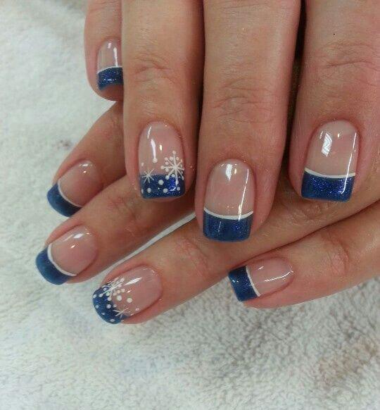 uñas azules para el invierno manicure frances