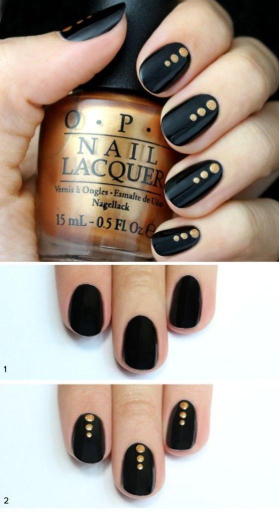 Uñas En Negro Con Pequeños Puntos Dorados Diseños De Uñas